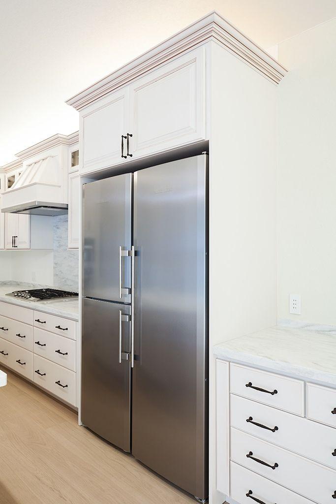 S様が欲しかった迫力の大容量冷蔵庫はアメリカ製で野菜室は立ったまま使用できる