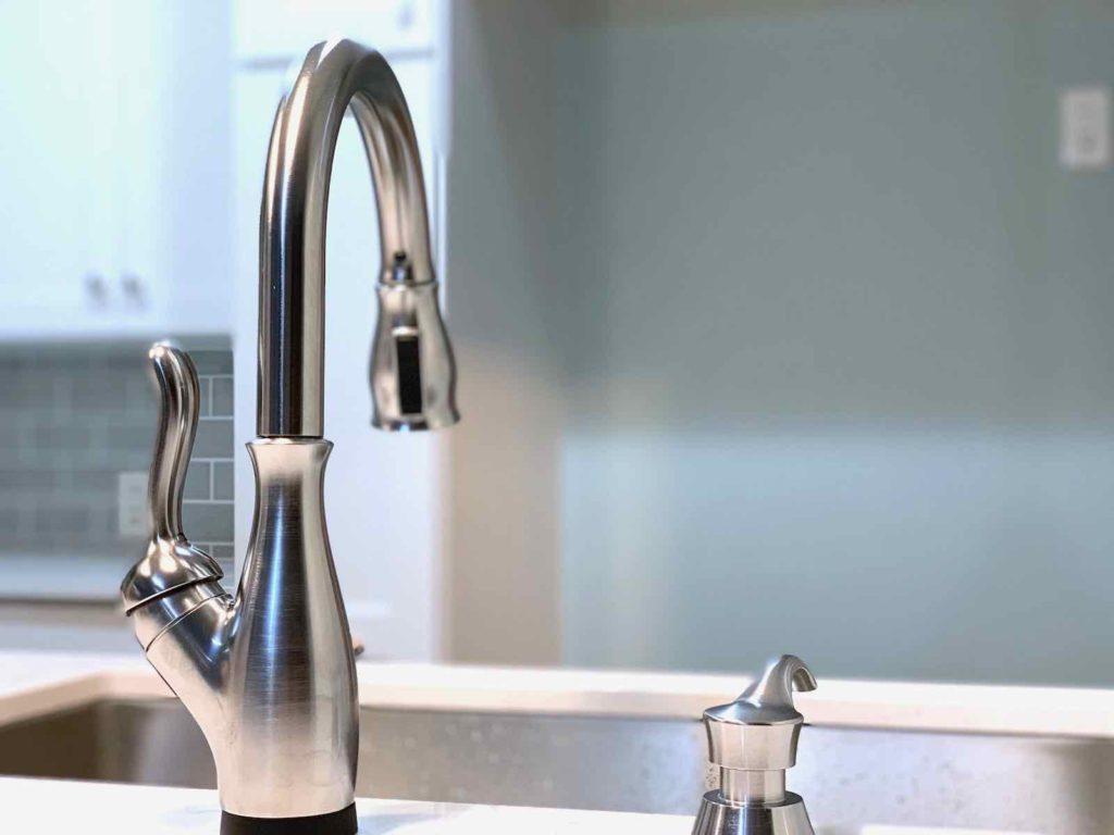 水栓はDELTAのタッチ水栓を採用 使い勝手抜群です